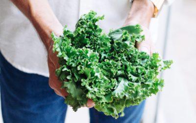 ¿Sabías que comer verdura cruda de hoja verde mejora la gingivitis?
